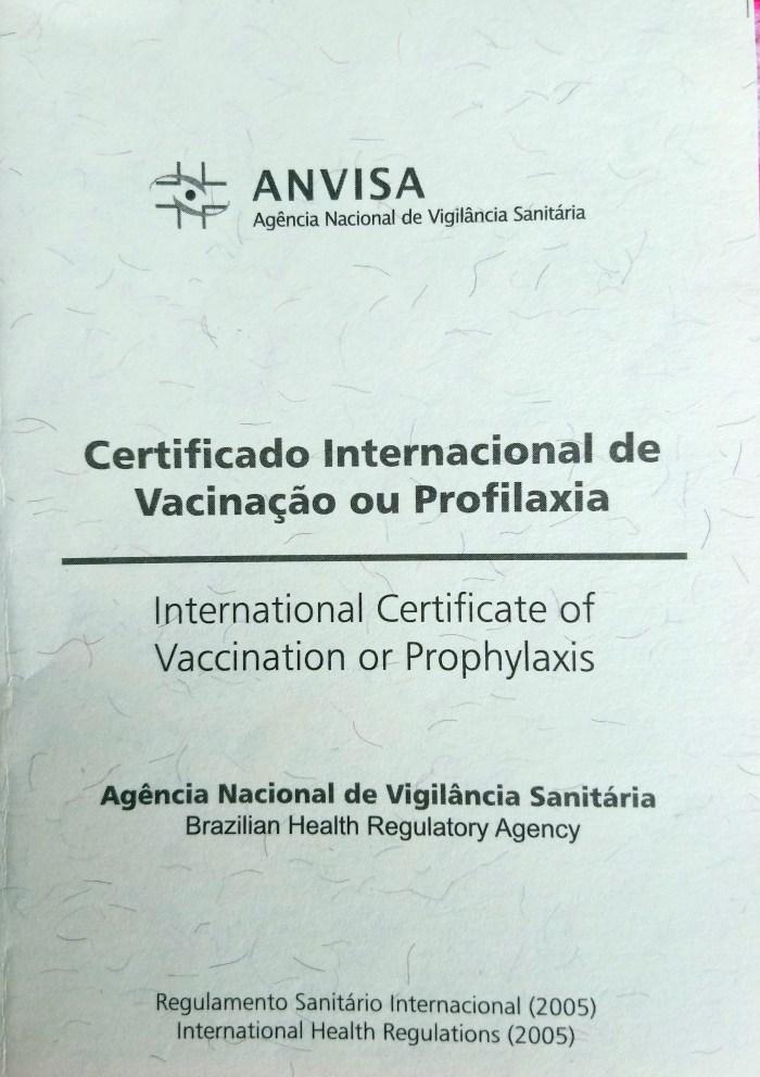 Certificado de vacinação contra febre amarela é exigido em viagens.