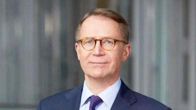 Photo of Lufthansa mali işler başkanı istifa etti