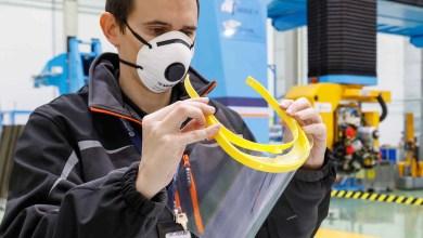 Photo of Airbus üç boyutlu yazıcı ile yüz koruma siperi üretiyor