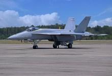 Photo of Blue Angels, ilk Super Hornet test jetini teslim aldı