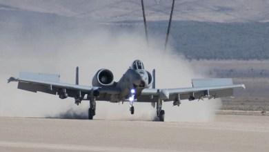 Photo of Toprağa inen savaş uçakları