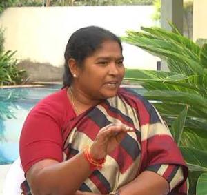 congress mla seethakka fires on cm kcr over abdullapurmet mro vijayalaxmi brutal murder
