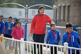 11-year-old Chinese girl stands 2.1 meters tall and growing - Global Times