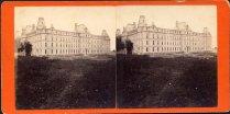 Quartier Saint-Jean-Baptiste - Parlement de Québec. L. P. Vallée, Portrait and Landscape Photographer, Quebec . - Vers 1885. BANQ