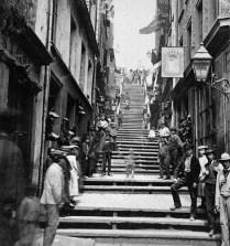Escalier Casse-cou, rue du Petit-Champlain, v. 1870. Bibliothèque et Archives Canada.
