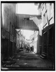 Rue Sous-le-Cap, vers 1901. / Sous le Cap St., Quebec