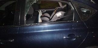 Delincuentes atacan más de 40 autos en bar de Metepec