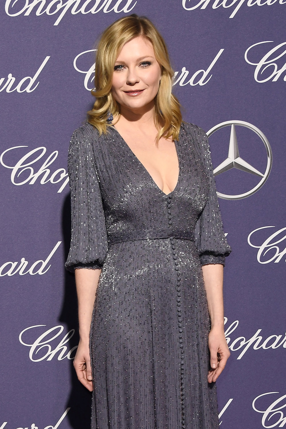 Kirsten Dunst Is A Style Amuse Bouche At The Palm Springs