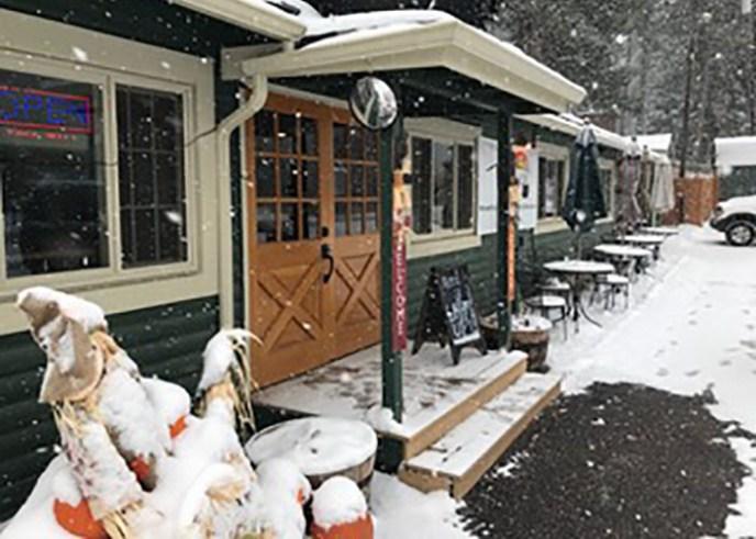 Outside_Snow_700
