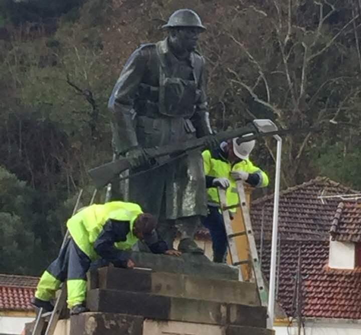 estatua soldado 930 753653124730375615 n
