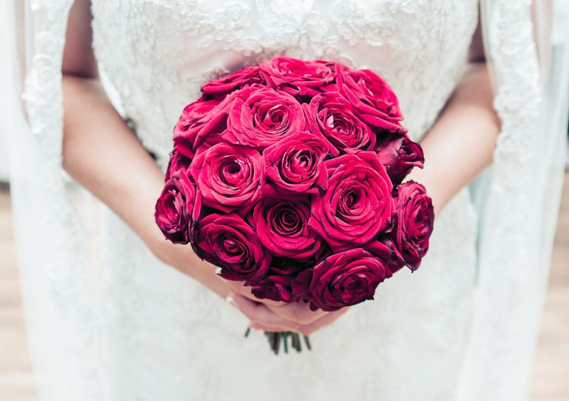 red wedding bouquet, red roses
