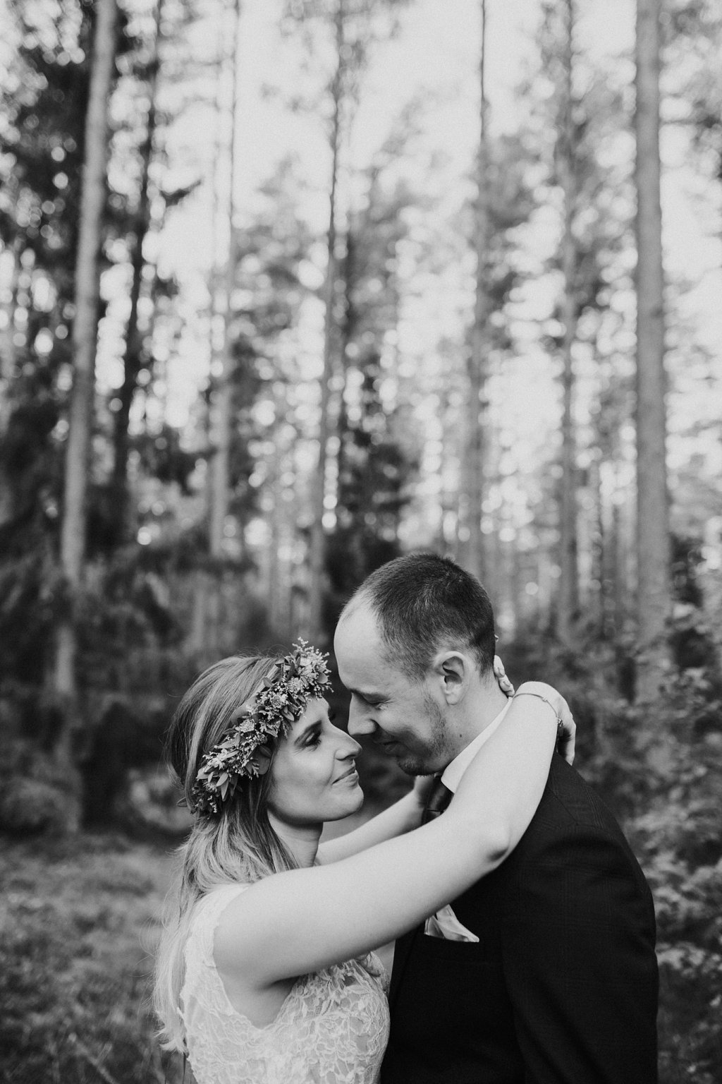 wianek liście pani młoda  pan młody fotograf ślubny poznań