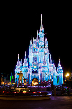 Walt Disney World ResortMagic KingdomCinderella Castle Icicle Dream LightsIs there any more beautiful sight in the world than Cinderella Castle with its Dream Lights all lit up and the Partners statue in front of it?More information, tips, and planning information for Christmas at Walt Disney World: https://www.disneytouristblog.com/disney-world-christmas-ultimate-guide/