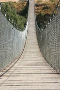גשר צר מאוד. צילום: Yuval D