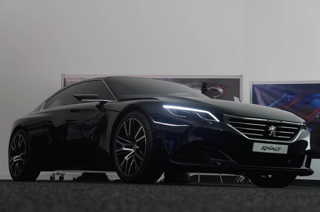 Le concept car Peugeot Exalt