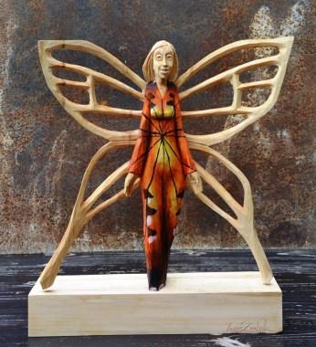 487 Má barvu motýlích křídel (1)