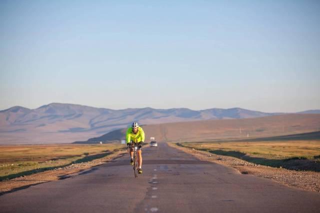british-endurance-athlete-mark-beaumont-cycling-through-mongolia