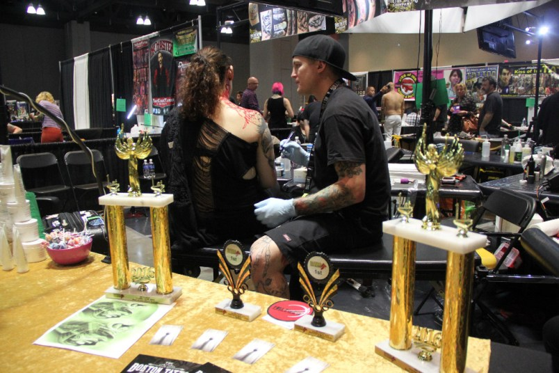 2016 sunday tattoo con 021