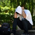 通学や部活中に貧血で倒れてしまう男子学生の悩み・対処法を書く