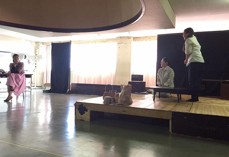 「海鳴り」の舞台練習風景(西宮今津高等学校 演劇部の部室)