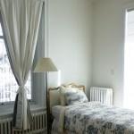 40. 遮光カーテンをやめるだけで、熟眠感と起床時の気分が上がる!