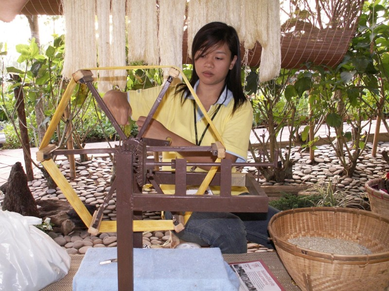 Making Thread from the Strands of Silk