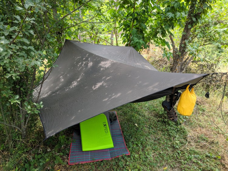 The Hennessy Deep Jungle Hammock rigged with a Hex fly