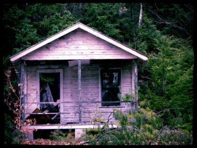Abandoned-Rental-Cabin