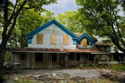 abandoned-catskills-hotel-and-resort
