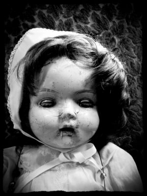 creepy cracked doll (edit)