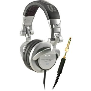 Picture of the Sony MDR_V700 headphones.