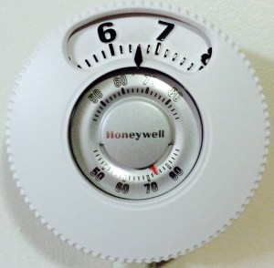 Picture of the installed Honeywell large number thermostat, T87N1026.