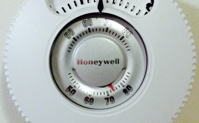 Honeywell T87N1026 Large Number Thermostat Review