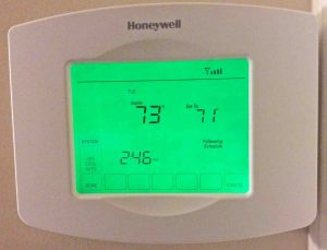 Picture of the Screen Display of the Honeywell RTH8580WF Thermostat, in System Mode