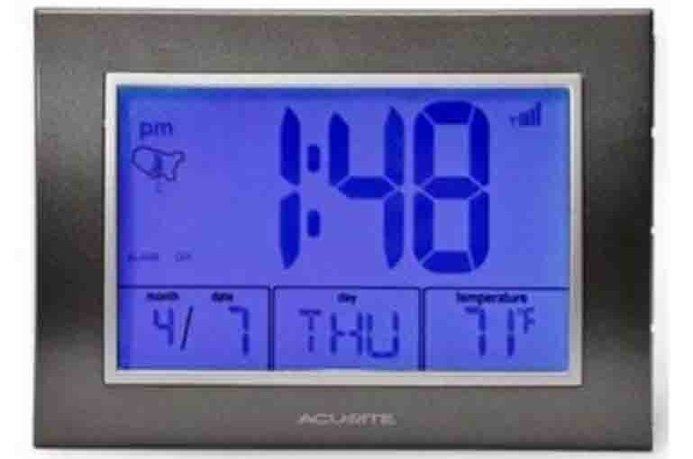 AcuRite® Atomic Digital LCD Alarm Clock 13131 Review