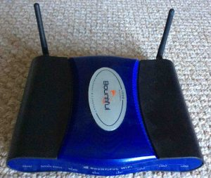 Picture of the front view of the Bountiful Wifi BWRG1000 Full Power Wireless Router.