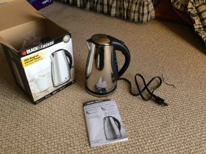 Picture of the Black & Decker JKC930C Cordless Water Kettle, front view.