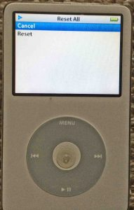 Picture of the iPod Classic Video Player, displaying the Reset All settings confirmation screen.