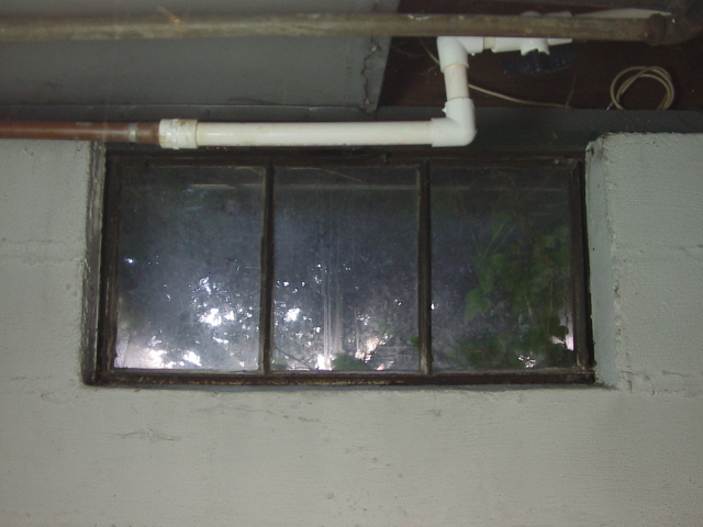 How to install glass block windows. Picture of the old basement window 4 to be & How to Install Glass Block Windows Pictures   Tomu0027s Tek Stop