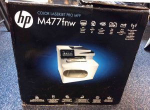 Picture of the HP Color Laserjet Pro FDW M477 packaging, side view 1.