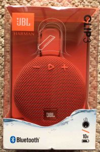 Picture of the JBL Clip 3 wireless Bluetooth speaker package, front view.