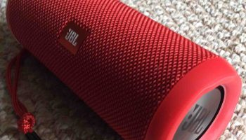 How to Charge JBL Flip 4 Wireless Bluetooth Speakers | Tom's