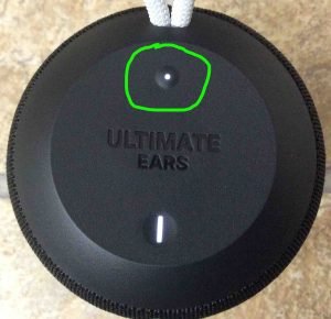 Picture of the UE Ultimate Ears Wonderboom BT speaker, top view, showing its -Bluetooth- button circled.