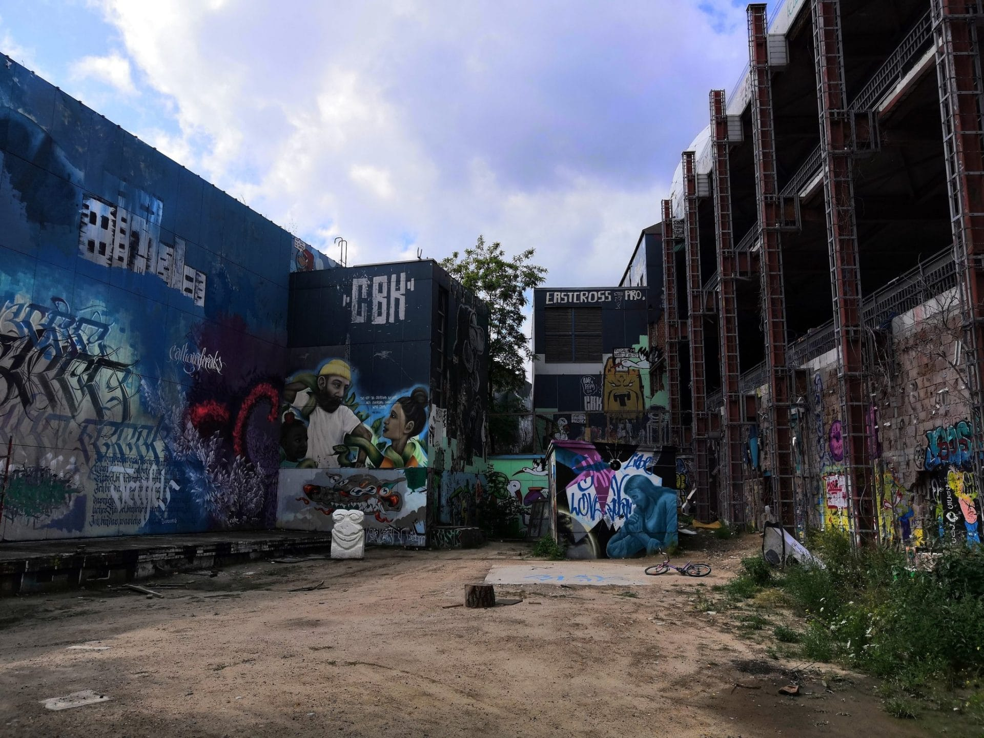 Airstream Adventures Graffity Berlin Teufelsberg