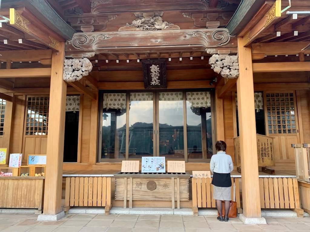 鎮西大社 諏訪神社の拝殿