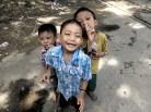 Spelende kinderen uit de omgeving Yangon