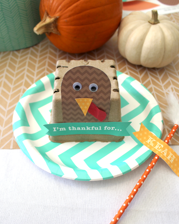 DIY Thankful Turkey Kids Craft for Thanksgiving