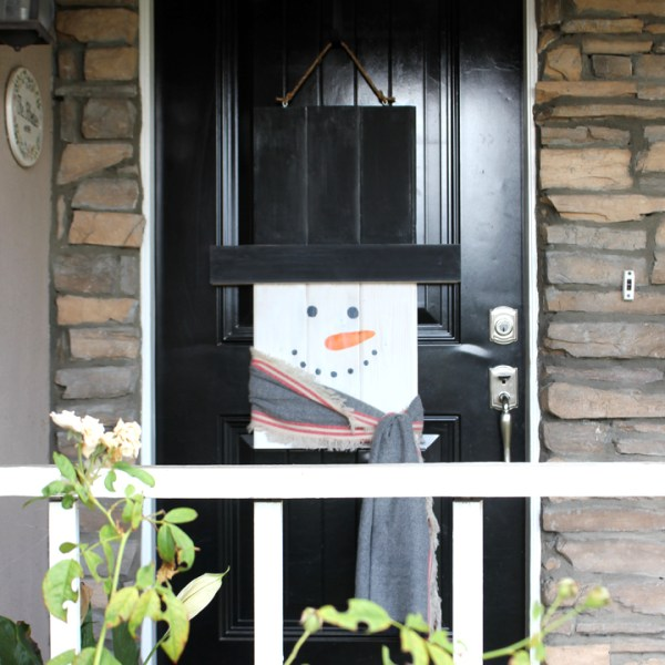 DIY Holiday Character Door Hanger: Snowman Addition