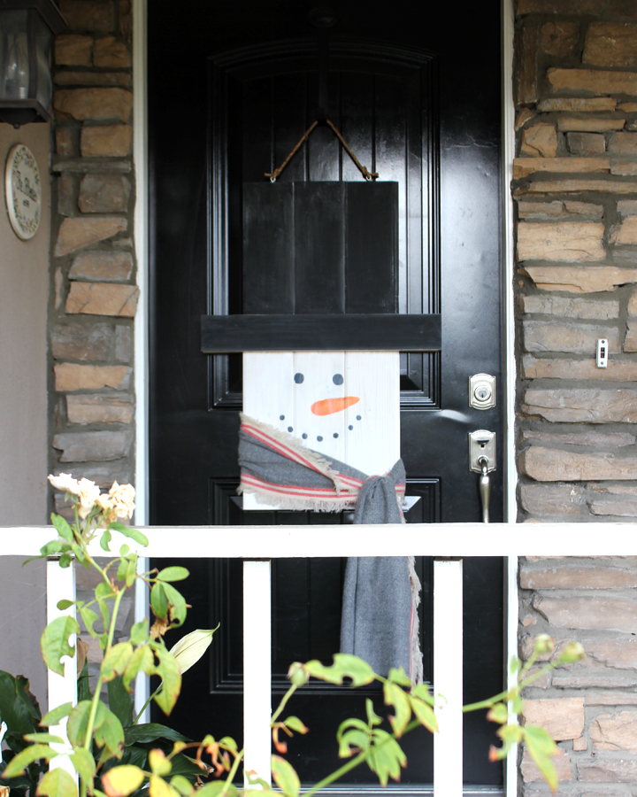 DIY Holiday Character Door Hanger: Snowman Addition