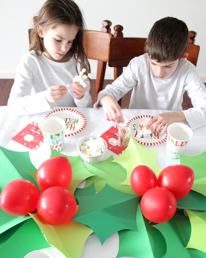 Christmas Kids Table with DIY Holly Tablerunner and Marshmellow Snowflake Kids Craft
